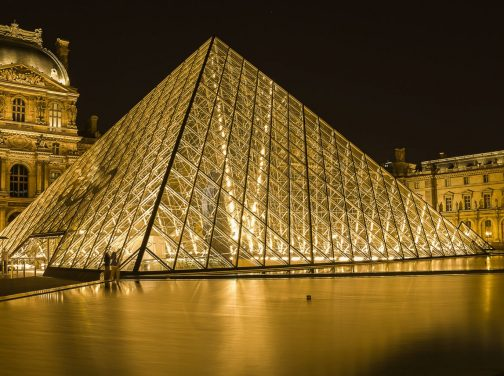 louvre-museum-2218336_1920