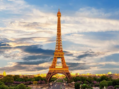 eiffel-tower-3349075_1920